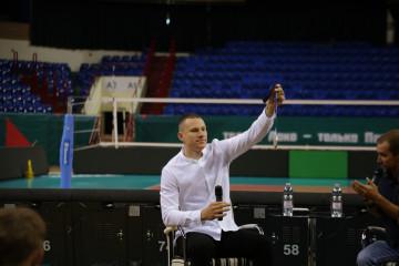 Гостем проекта «Открытая арена» стал серебряный призер Олимпиады Станислав Шаров