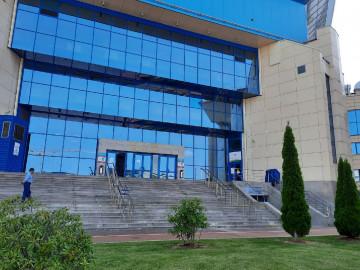 Во дворце спорта «Янтарный» начал работу мобильный центр иммунизации вторым компонентом вакцины от коронавируса